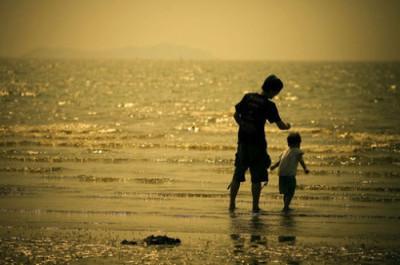 【父爱不能缺席】父爱缺席影响女人一生