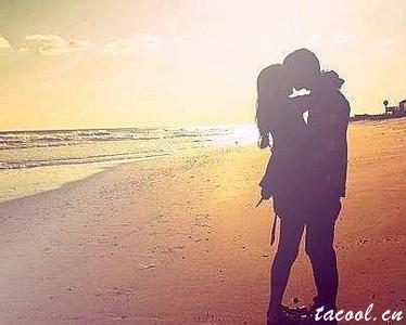 相爱是两个人的天长地久,相思是一个人的地老天荒