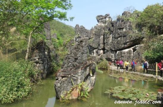 天星桥景区水上石林