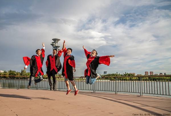 大学生毕业个人总结范文_大学生毕业个人总结