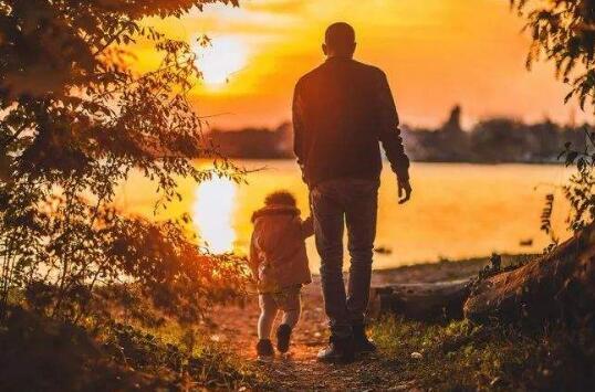 父爱无言海有声