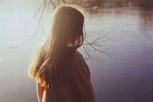 15句平安夜描述孤单的伤感句子